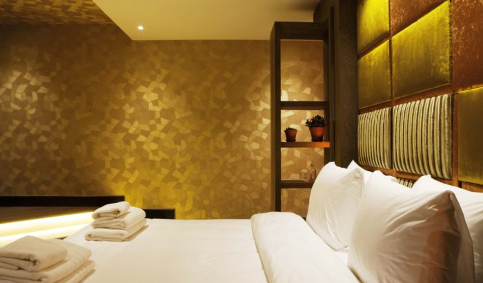 boutique-hotel-zaandam-manzo-suites-goud-bed-interieur-goud