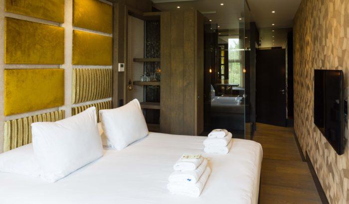 boutique-hotel-zaandam-manzo-suites-interieur-kamer-goud-suite