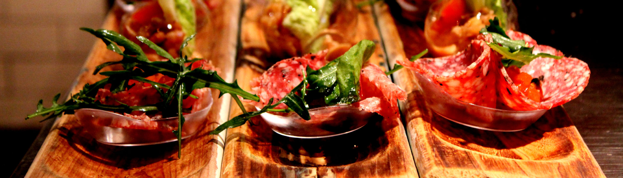 restaurant-zaandam-manzo-bar-bistro-menu-voorgerecht-wood