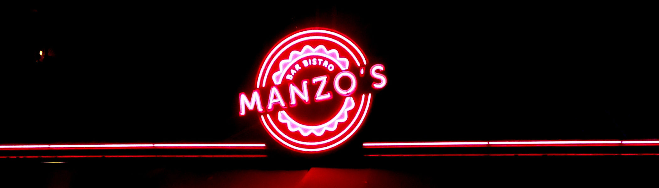 restaurant-zaandam-manzo-bar-bistro-gevel-neonreclame